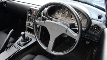 Mazda MX-5 - modern classic dash