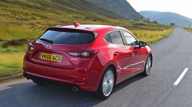 Mazda 3 2016 - rear tracking