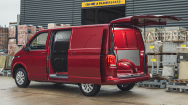 Volkswagen Transporter 6.1 - side and rear door open
