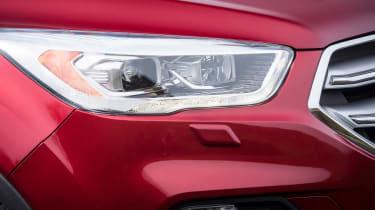 Ford Kuga 2017 - headlight