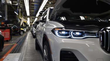 BMW SUVs feature - BMW X7 headlights