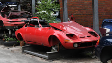 Opel GT red parts