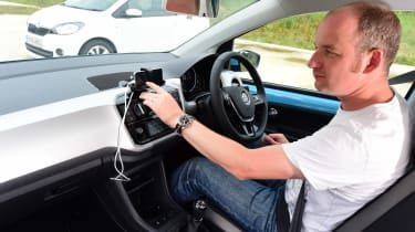 Volkswagen up! vs Skoda Citigo - in-car