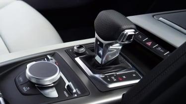 Audi R8 - gear lever