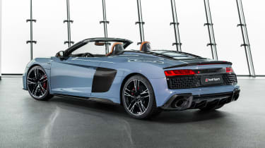 Audi R8 Spyder - studio rear