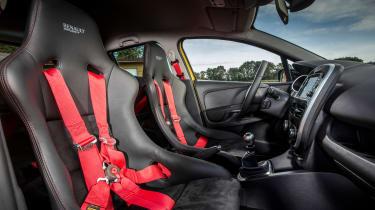 Renault Clio RenaultSport R.S.16 2016 - seats