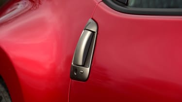 Nissan 370Z GT – door handle