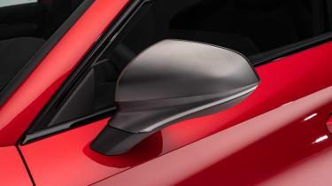 SEAT Leon - wing mirror
