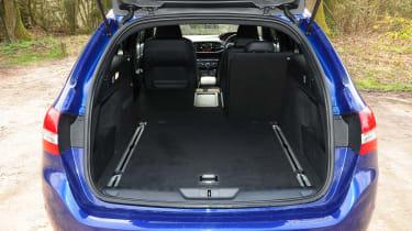 Skoda Superb - steering wheel detail