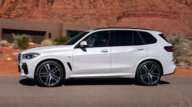 BMW X5 - side action
