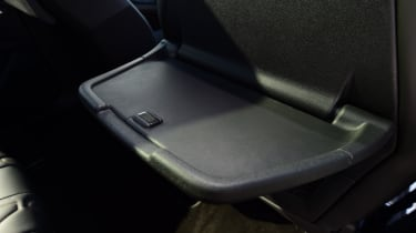 Peugeot 5008 - passenger lunch tray