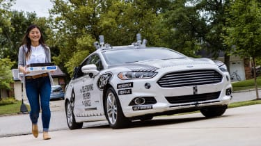 Ford Dominoes self-driving pizza delivery - delivery