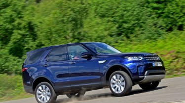 Land Rover Discovery TD6 - side