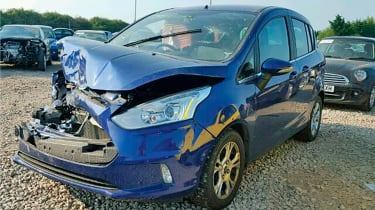 crashed ford b-max