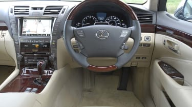 Lexus LS460 dashboard