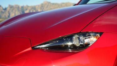 Mazda MX-5 RF 2017 - headlight