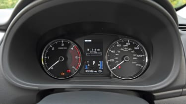 Mitsubishi Shogun Sport dials