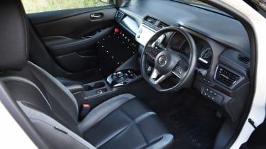 Nissan Re-Leaf - interior