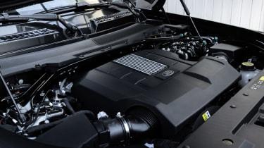 Land Rover Defender V8 - engine