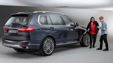 New BMW X7 studio shoot designer