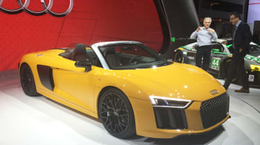 Audi R8 Spyder New York show 2016 front 2