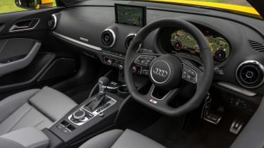 Audi A3 Cabriolet - dash
