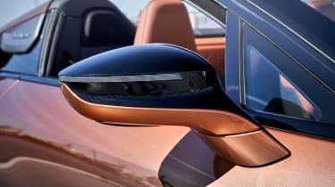 BMW i8 Roadster - mirror
