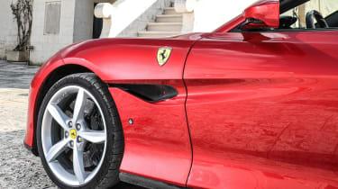 Ferrari Portofino - side detail