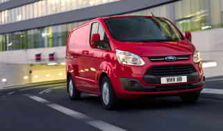Ford Transit Custom front tracking