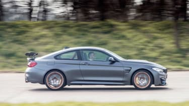 BMW M4 GTS UK 2016 - side tracking