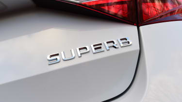 Skoda Superb 1.5 TSI - Superb badge