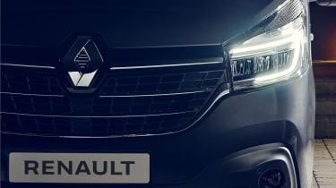 Renault Trafic - headlight
