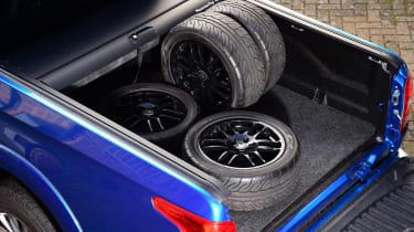 Mitsubishi L200 - tyres