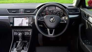 Skoda Superb Estate 280 4x4 2016 - dashboard