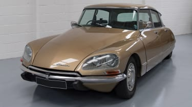 Electrogenic Citroen DS - front