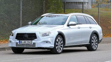 Mercedes E-Class All-Terrain facelift - spyshot 3