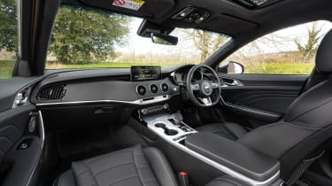 2021 Kia Stinger GT-S 3.3 T-GDi V6 - interior