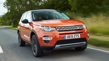 Land Rover Discovery Sport - front tracking
