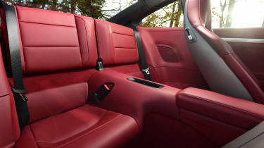 Porsche 911 Carrera 2015 rear seats red
