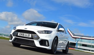 Ford Focus RS first UK drive - front tracking