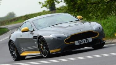 Aston Martin V12 Vantage S - front cornering