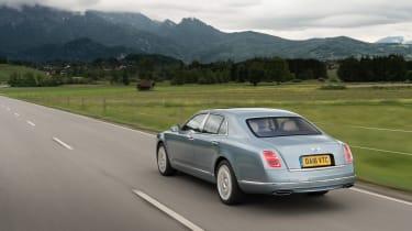 Bentley Mulsanne 2016 - rear tracking