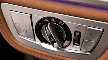 BMW 7 Series facelift - light controls