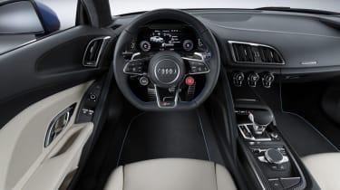 Audi R8 - cabin