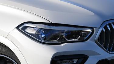 BMW X6 twin test - headlight