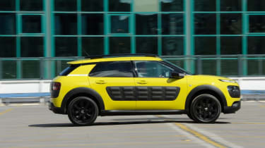 Used Citroen C4 Cactus - side action
