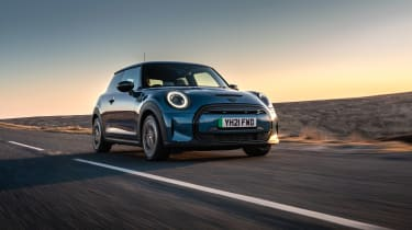 MINI Electric - front action