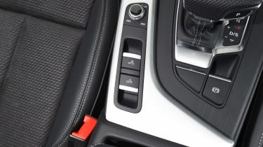 Audi A5 Cabriolet - roof button