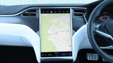 Tesla Model S P100D - sat-nav