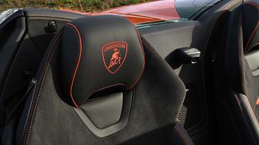 Lamborghini Huracan Evo Spyder - seat detail
